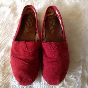 TOMS Red Canvas Women's Classics Slip-On Size 7.5